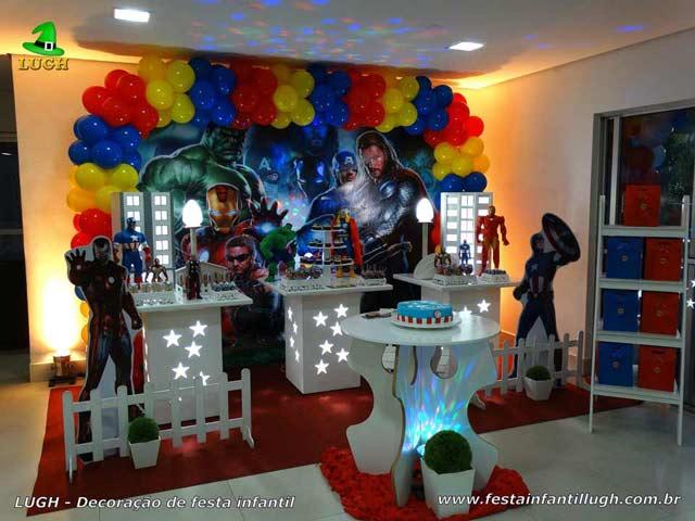Decoração de aniversário tema Os Vingadores - Festa infantil - Provençal simples