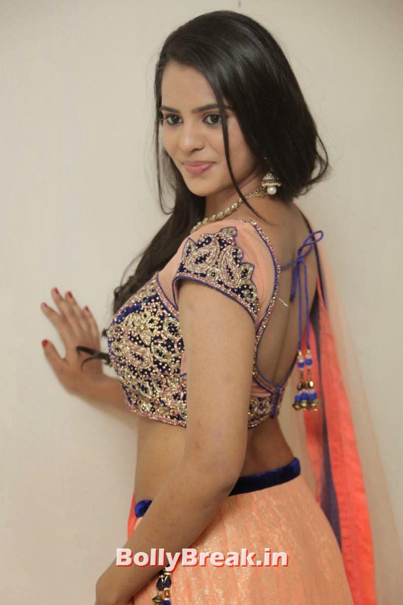 Tollywood Actress Manasa, Actress Manasa hot Photos in Backless Choli & Lehenga