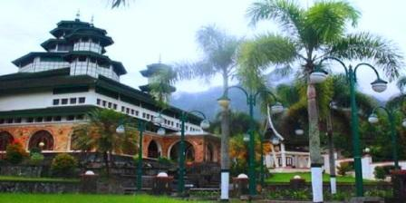 10 Tempat Wisata di Kabupaten Agam Sumatera Barat Yang Terkenal