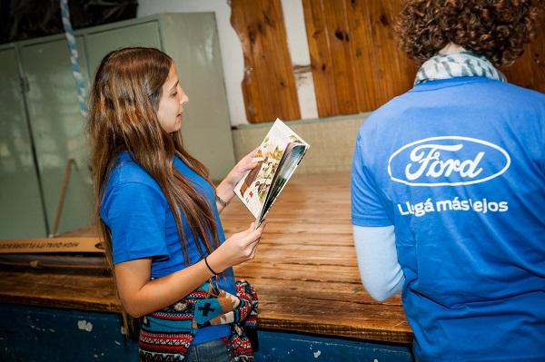 Ford Argentina y Fundación Leer