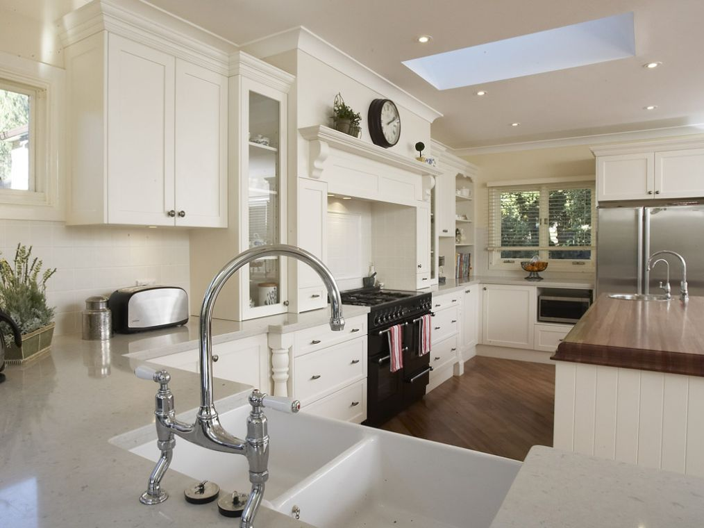 Antique White Kitchen Cabinets Pictures | Best Kitchen Places