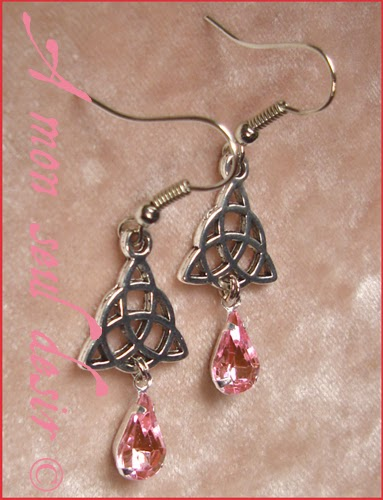 Boucles d'oreilles celtique celte triquetra viking irlande rose celtic knot irish earrings Rowena Pink