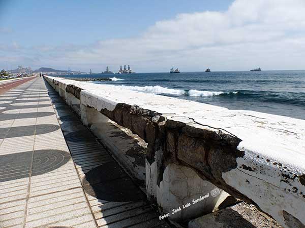 El Paseo de la Avenida Marítima de Las Palmas de Gran Canaria, muy deteriorado