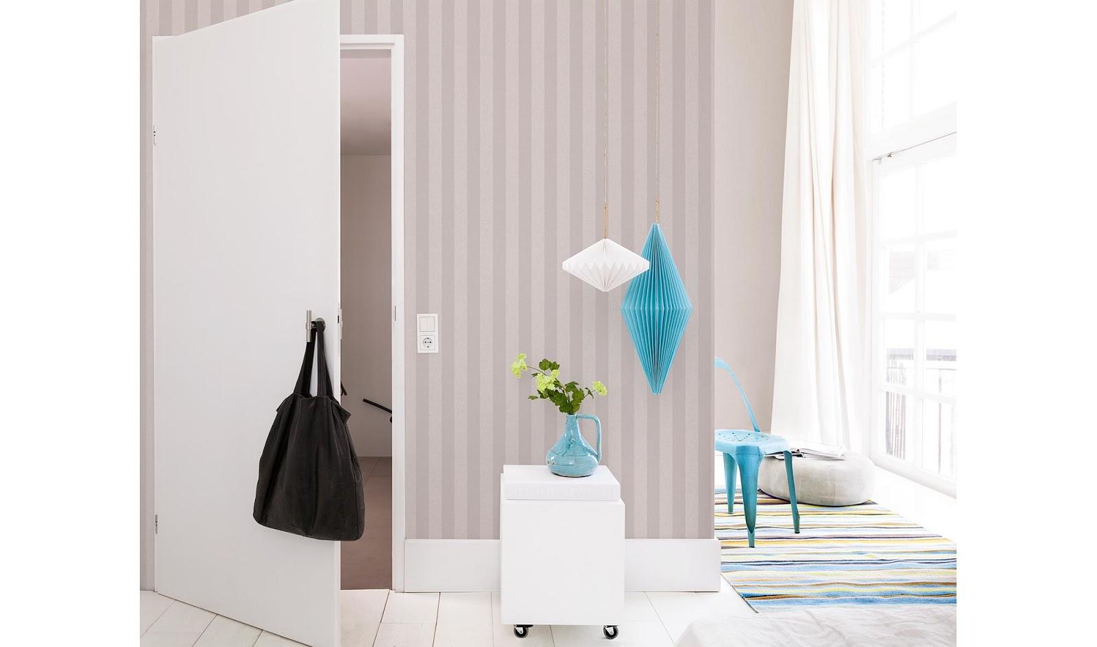 en decoracin las reglas estn para romperse pero mejor si slo usamos papel pintado en una de las paredes de la estancia aunque depender de la luz