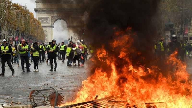 للأسبوع الثالث .. أصحاب السترات الصفراء يخرجون للاحتجاج بفرنسا