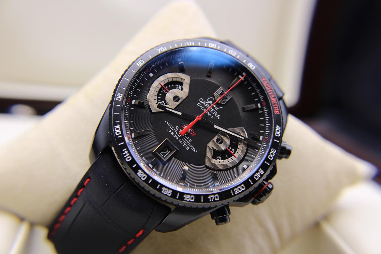 Характеристики моделей carrera в серии carrera выпускаются как лаконичные классические часы для повседневного ношения, так и сложные спортивные модели с несколькими шкалами и дополнительными функциями.