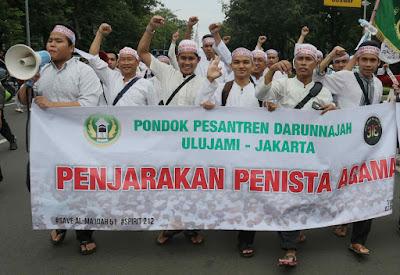 Bukan Makar, Umat Islam Tuntut Penista Agama Dipenjara