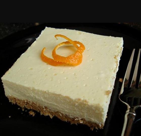 Low Carb Lemon cheesecake Bars