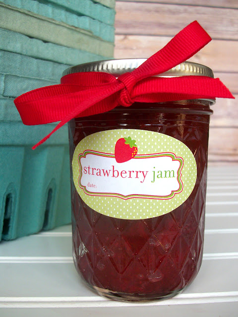 oval strawberry jam labels