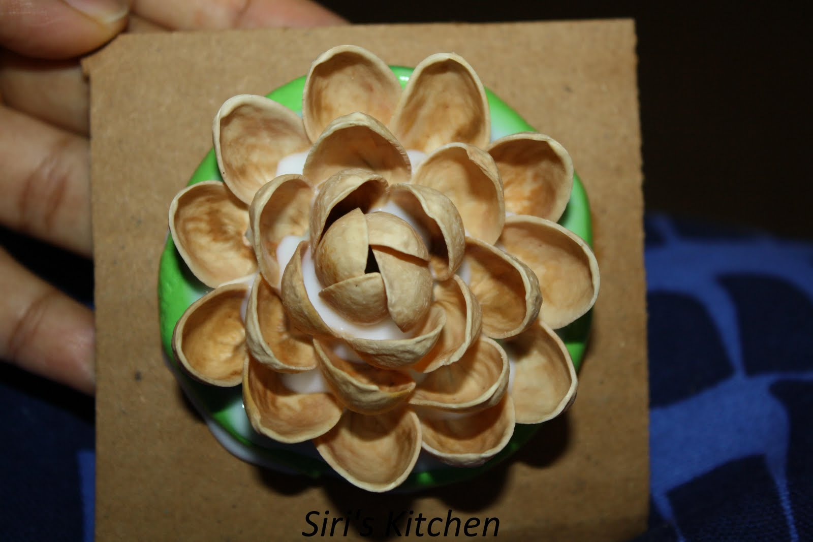 Siri S Kitchen Step By Step Tutorial To Make Pista Shell Flowers