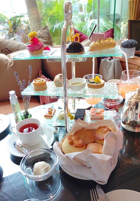 【Afternoon Tea 分享】L'Occitane 仲夏花香下午茶 X DearBeauty 40 周年Tea Set Party @ Lobby Lounge, Conrad HongKong