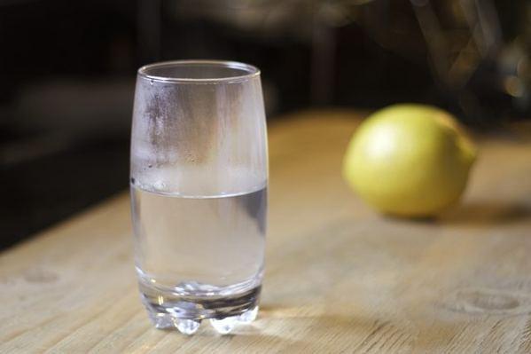 26 Manfaat Minum Air Hangat Di Pagi Hari Saat Perut Kosong ...