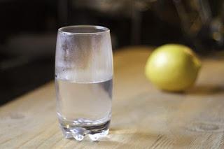Infused Water untuk Mengecilkan Perut