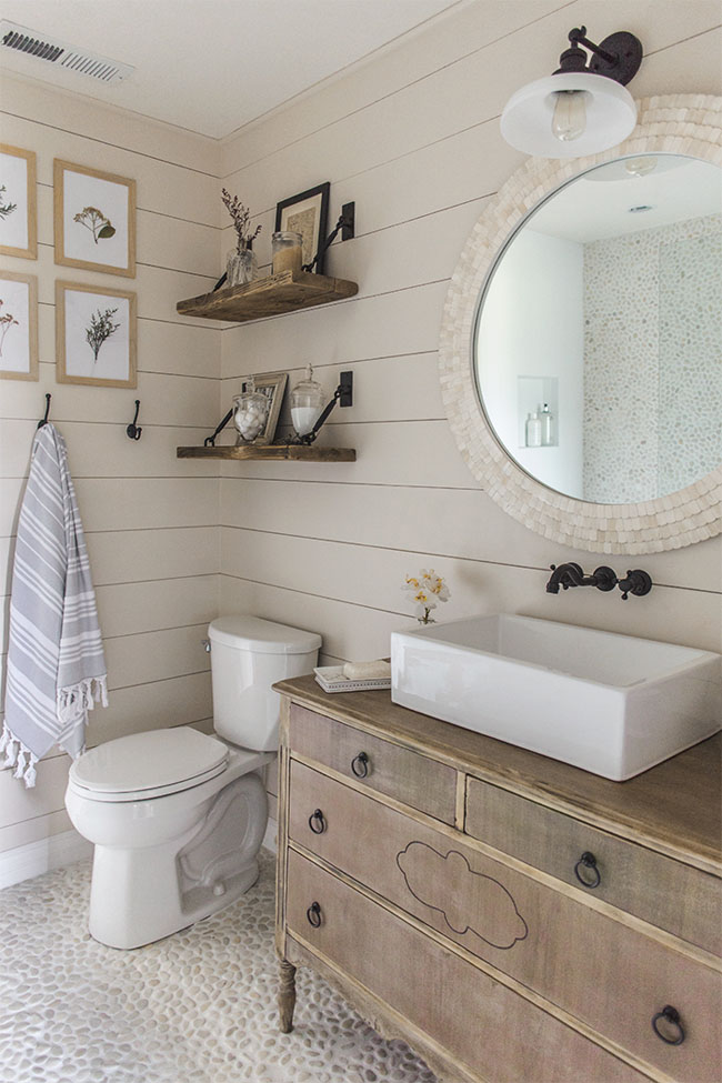 Remodelando La Casa 10 Bathrooms That Rock A Shiplap Treatment