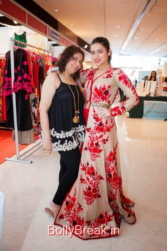 Nikki and Aarti Merani, Nishka Lulla Hot Pics At Designer Nishka Lulla Snapped at DIVAlicious