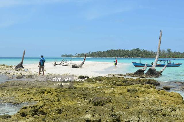 Banyak Island Hopping