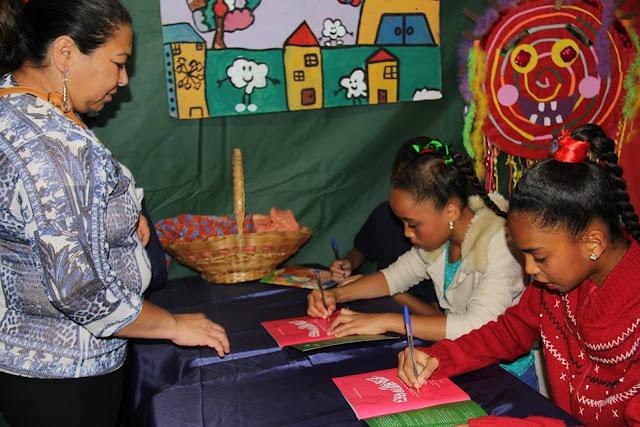 'Histórias Brincantes': crianças lançam livro sobre brincadeiras populares durante feira literária em São Sebastião.