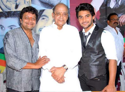 Saikumar  with father and son