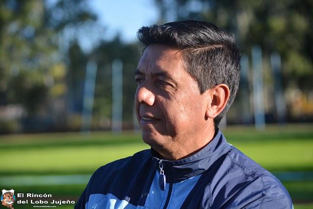 Morales Santos dirigió su primera práctica y prepara cambios