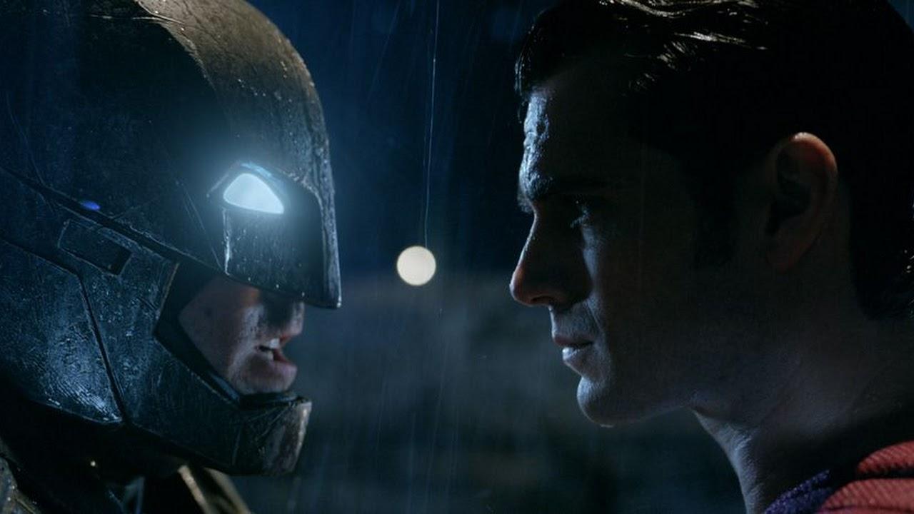 Batman v Superman: Zack Snyder compartilha nova foto de Ben Affleck como Batman nos bastidores