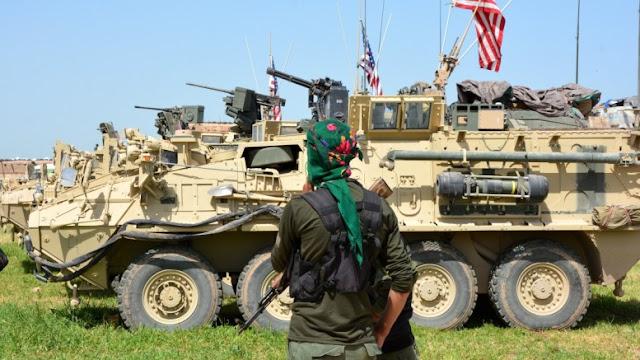 Διαψεύδει η αμερικανική πρεσβεία στην Άγκυρα ότι οι ΗΠΑ δίνουν βαρύ οπλισμό στους Κούρδους