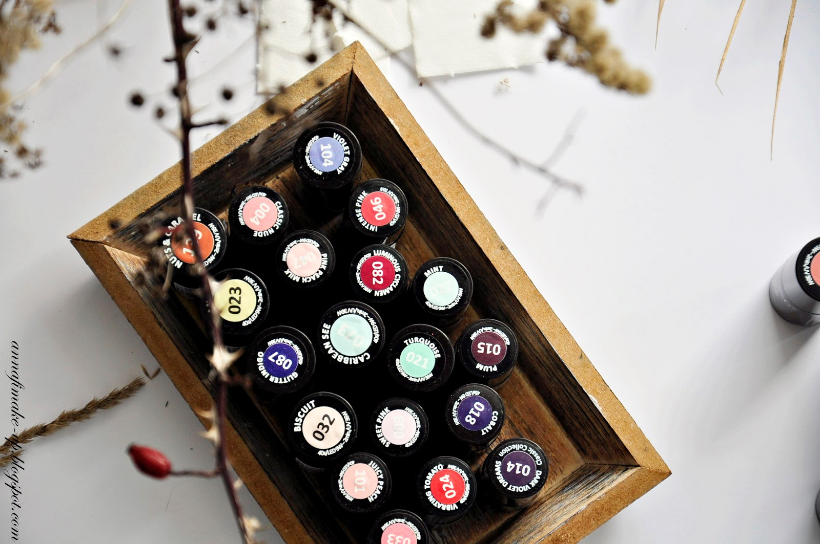 diamond ring 144, creamy muffin 136, frappe 135, classic wine 028, intense red 027,
