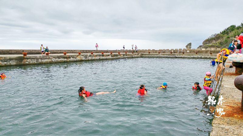 大福漁港天然游泳池|大福亭天然游泳池|鱷魚岩