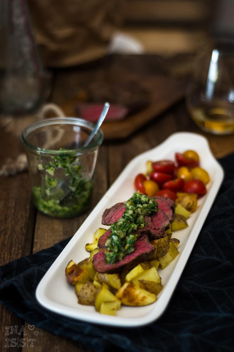 Kochhaus Chimichurri-Rinderhüftsteak mit Zitronenkartoffeln und zweifarbigem Tomatensalat