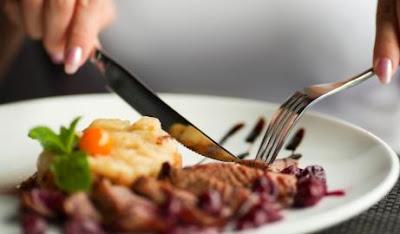 etika makan yang benar sehingga tercipta pola makan yang sehat