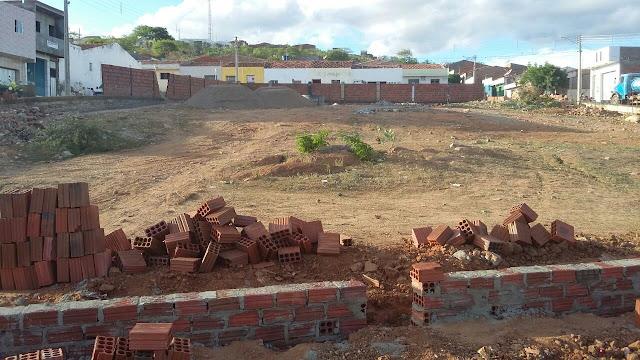 Resultado de imagem para muro jataúba