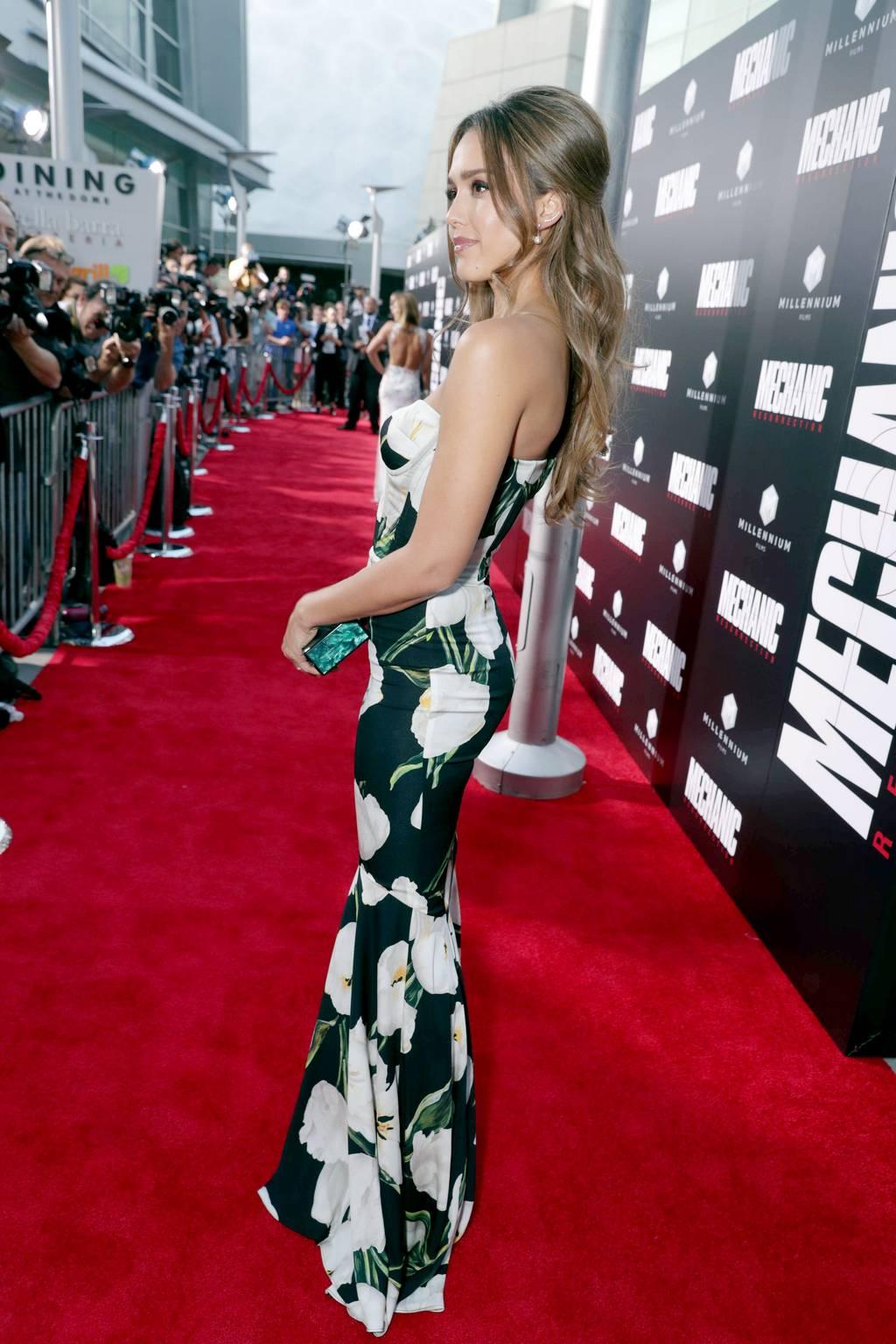 Jessica Alba – Mechanic Resurrection Premiere in Los Angeles