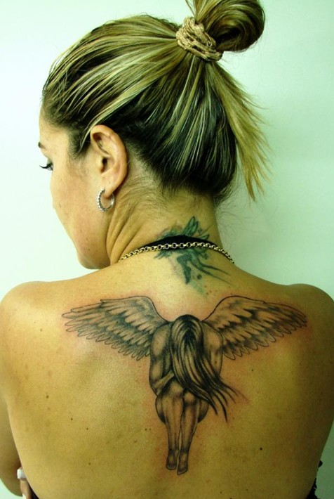 tatuajes de angeles de la guarda para chicas