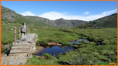 Ruta a Peña Trevinca, techo de Zamora y Orense desde el aparcamiento de la Laguna de los Peces.