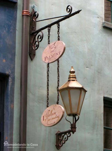 Signs From The Wizarding World Of Harry Potter