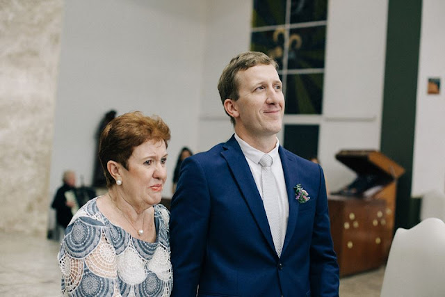 casamento real, sandra e renato, carro da noiva, noiva emocionada, noivo esperando a noiva, brasília