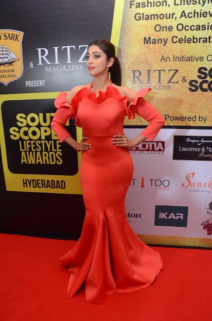 Pranitha Pics at South Scope Life Style Awards 2016