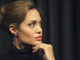 Angelina Jolie download besplatne slike za mobitele
