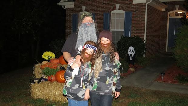 Title Happy Halloween.duck Dynasty Style