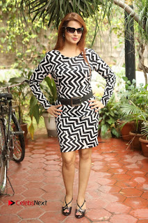 Actress Saloni Latest Pos in Short Dress  0261.JPG