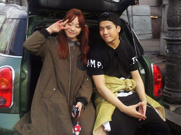 Jackson and Youngji in Roommate