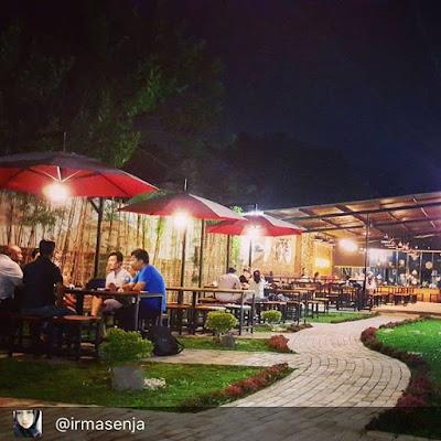 Resto atau Cafe Yang Ada Taman di Cirebon