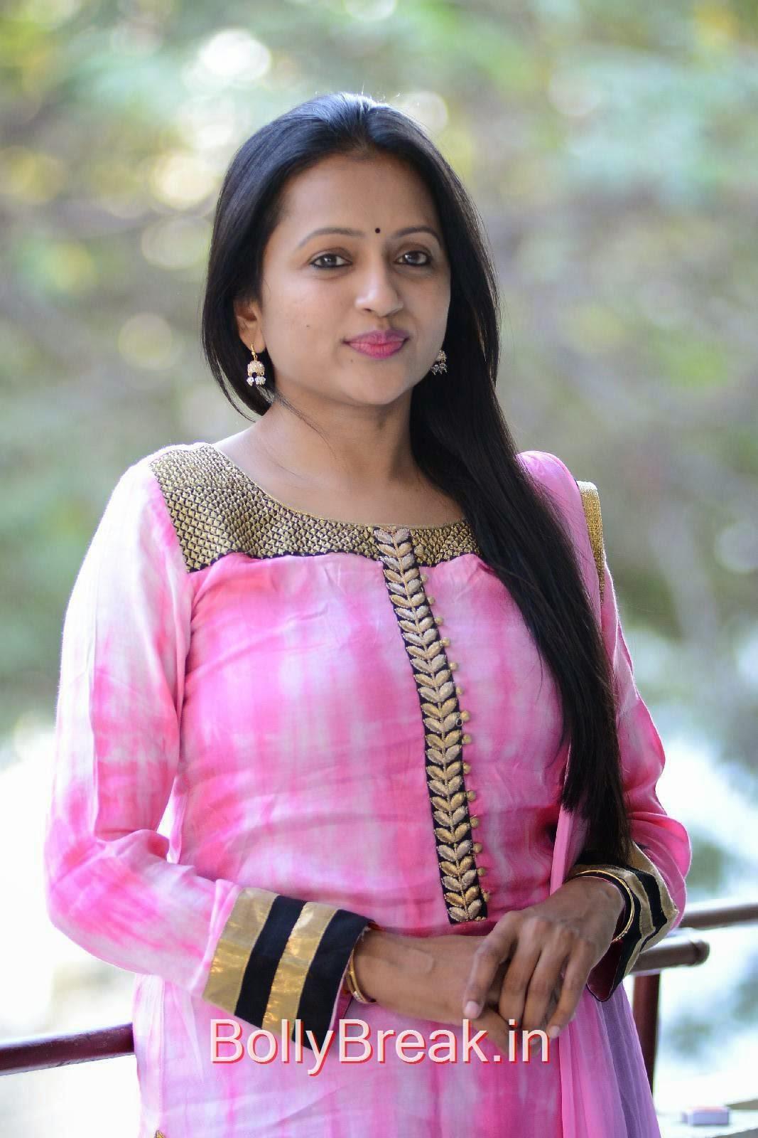 Telugu tv anchor suma videos