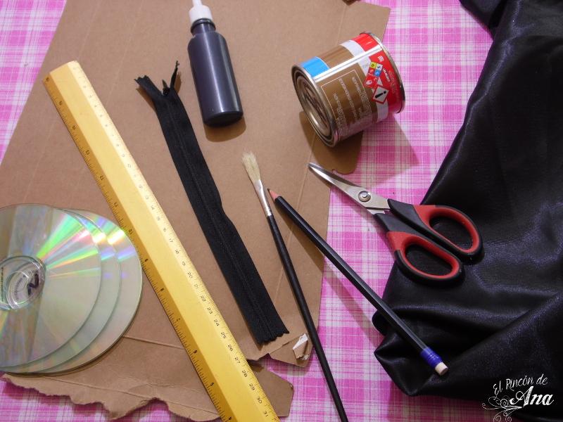 Clutch con materiales reciclados