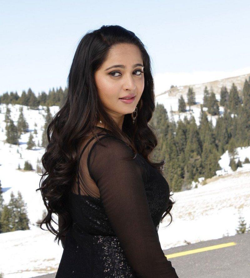 Actress Anushka Shetty Stills From S3 Movie