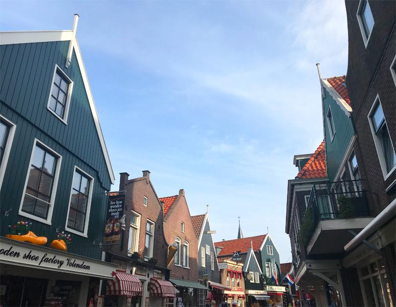 Volendam street view
