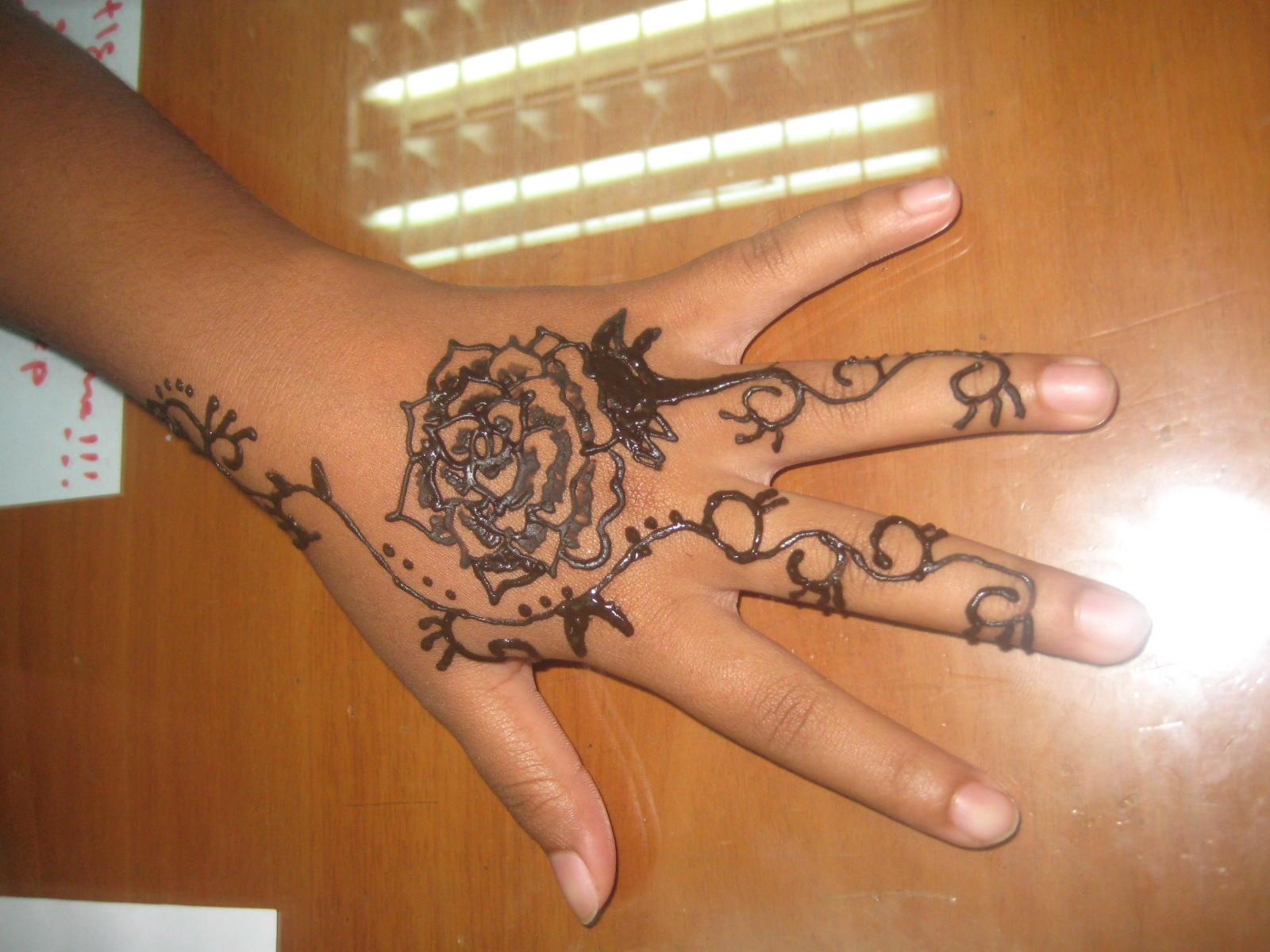 Gambar Henna Bunga Mawar Balehenna