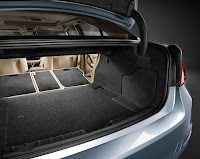 2013 BMW 3-Series Sedan (F30) ActiveHybrid 3: Interior Detail: Luggage Compartment