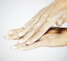 Remedio-Casero-para-manos-resecas
