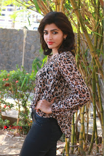 Tamil Actress Sai Dhansika at Vizhithiru Movie Press Meet Stills  0005.jpg