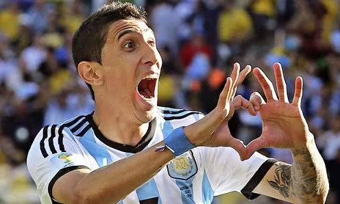 Hand Heart Gesture With Happiness Angel Di Maria